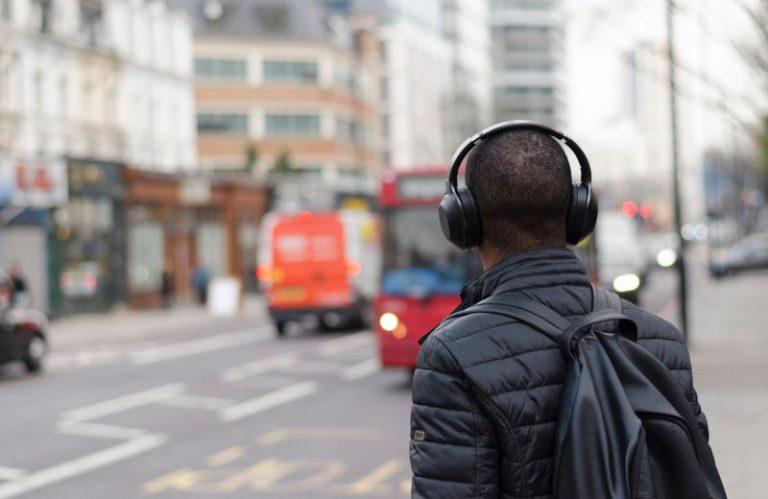 Três em cada 10 portugueses reconhece que não ouve bem…